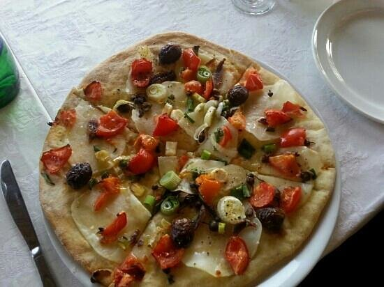 Vinyard Restaurant: healthy pizza