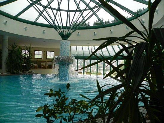 La Perla Hotel: Interno della piscina