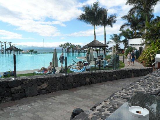 Gran Meliá Palacio de Isora Resort & Spa: view from bar