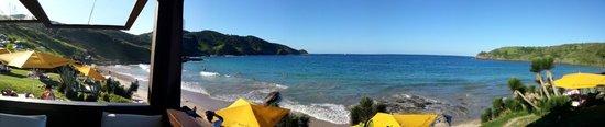 Rocka Beach Lounge & Restaurant: Essa era minha vista da mesa onde sentei!!