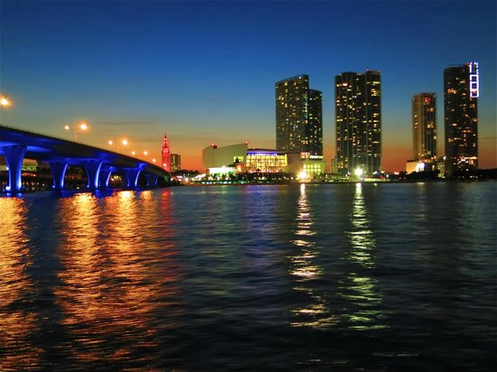 Miami Aqua Tours: The lights of the city at dusk