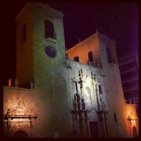 Iglesia de Santa María: March 2013