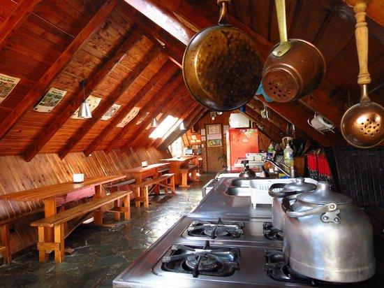 Alaska Hostel: Cocina