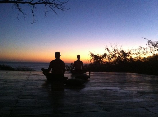 Buena Vista Surf Club: Sunset yoga at the deck