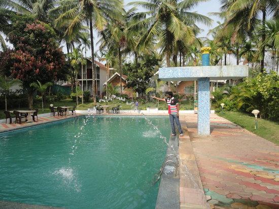 Swimming pool picture of stay simple raj gardenia kushalnagar tripadvisor Hotels in coorg with swimming pool