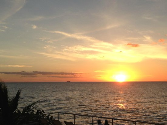 Four Seasons Resort and Residences Anguilla: Gorgeous sunset from the Sunset Deck