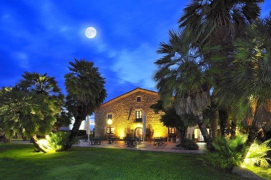 Salles Hotel Mas Tapiolas: Exterior
