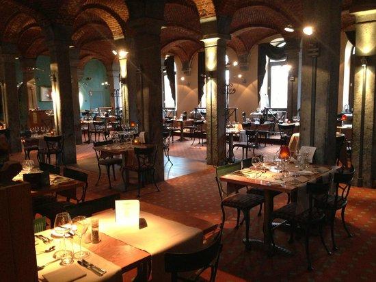 Martin's Grand Hotel Waterloo: Dining