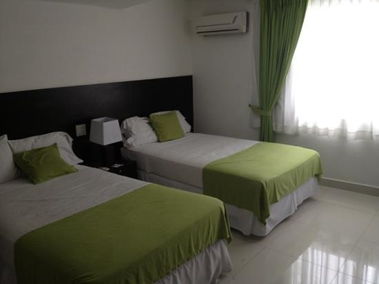 AZ Hotel & Suites: habitación 2106