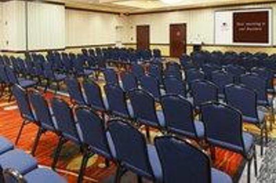 Radisson Hotel JFK Airport: Grand Ballroom Theater Style