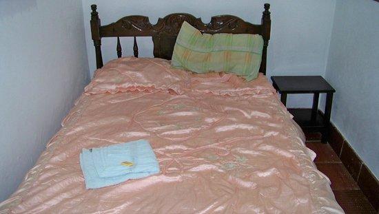 Casa Hotel La Casona : Double bed
