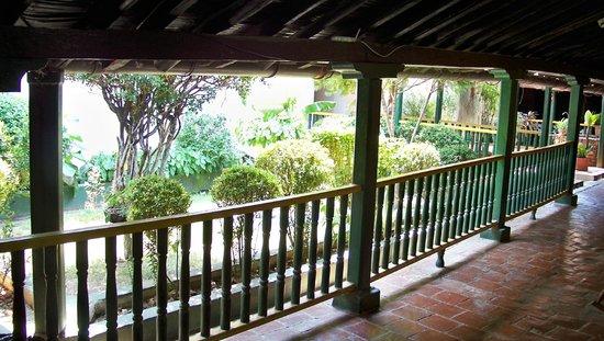 Casa Hotel La Casona : Courtyard view