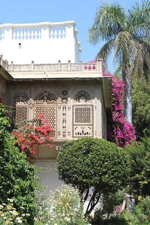 Usha Kiran Palace: The garden