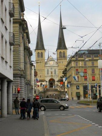 Ameron Hotel Flora Luzern: City