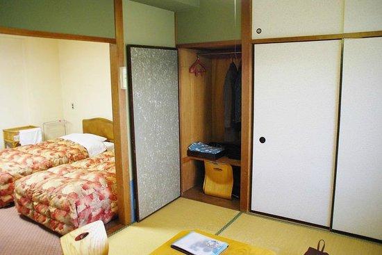 Hotel Ito Powell: heya