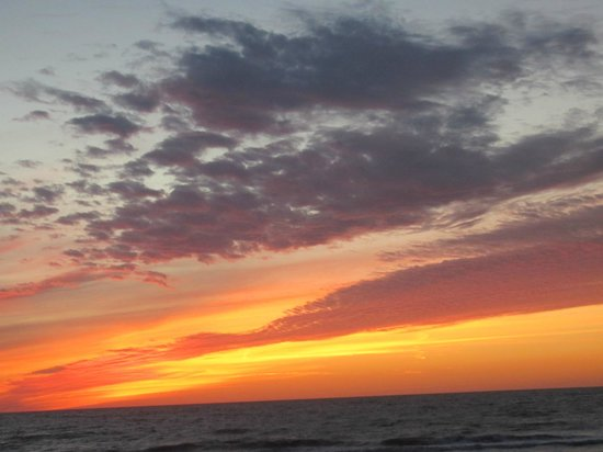 The Naples Beach Hotel & Golf Club: Spectacular Sunsets