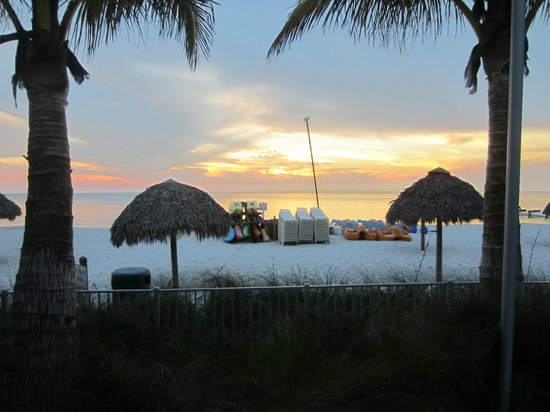 The Naples Beach Hotel & Golf Club: Pristine Beach