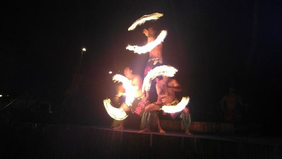 Wailele Polynesian Luau: Fire Dancers
