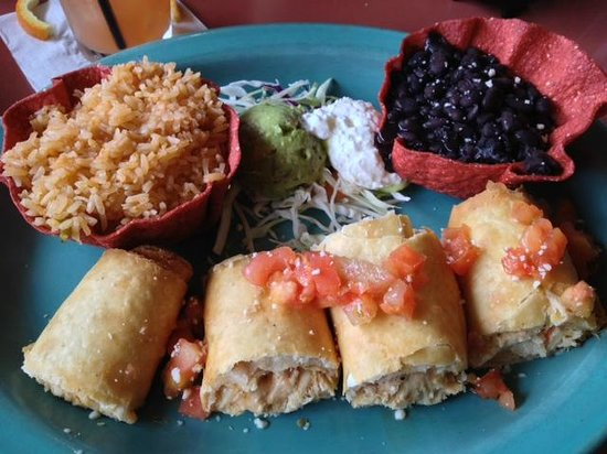 Azteca mexican restaurant: Chicken Taquitos