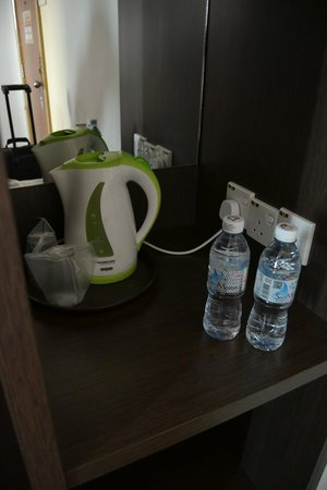 YMCA Hostel: Clean and nice room