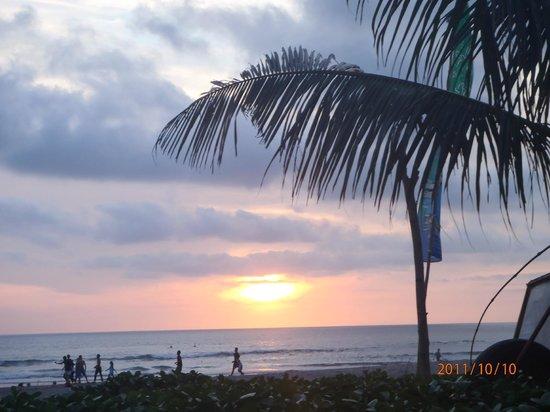 Kumala Hotel: Beach sunset