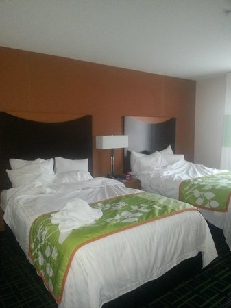 Fairfield Inn & Suites Wilkes-Barre Scranton: Beds