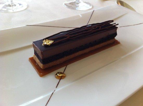 Belmond Le Manoir aux Quat'Saisons: Millionaire's shortbread