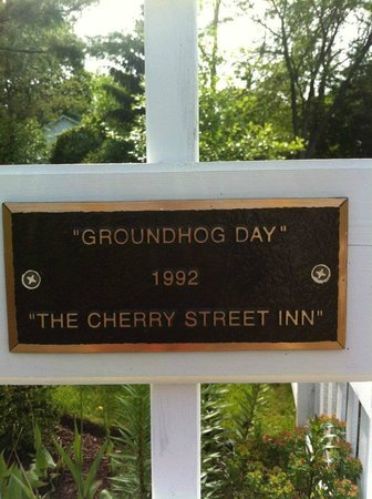 Royal Victorian Manor: Groundhog Day!