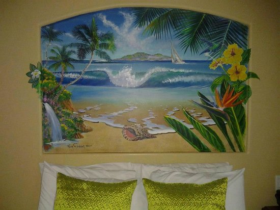 Ocean Palms Beach Resort: Cool painting above bed
