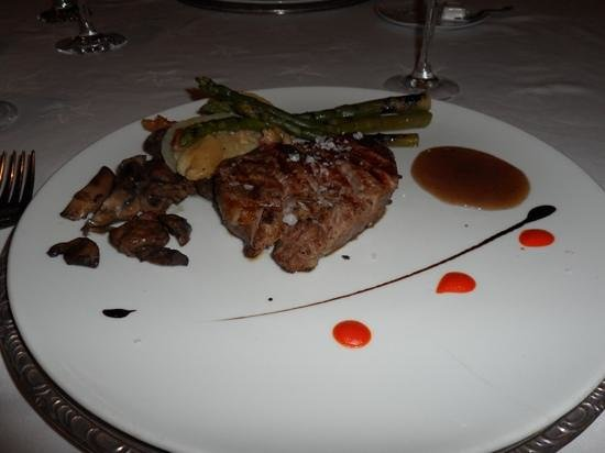 Iberostar Grand Hotel Paraiso: fillet steak at tonis