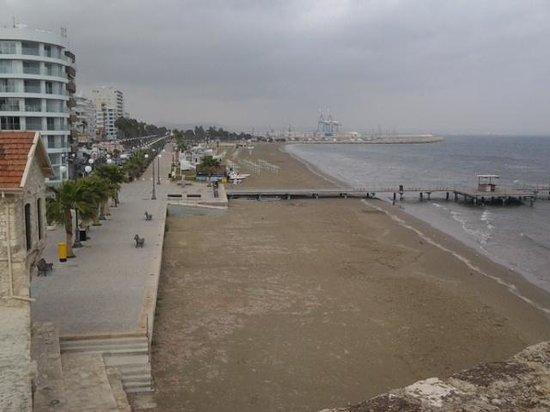 Frangiorgio Hotel Apartments: Larnaca beach