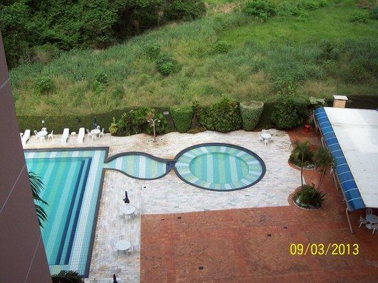 فولز جالي هوتل: Boa piscina.
