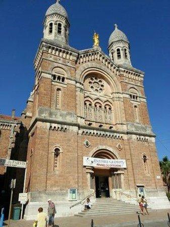 Saint-Raphael, Frankrike: Façade de la Basilique