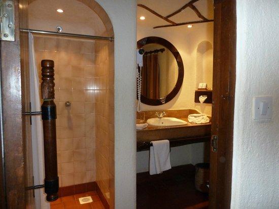 Bruserum og toilet, Serengeti Serena Safari Lodge