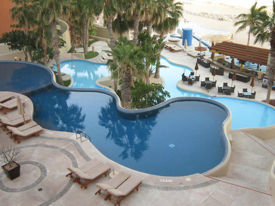 The Westin Los Cabos Resort Villas & Spa: Cascading pools to beach