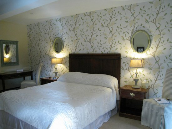 Golden Fleece Hotel: Standard Room