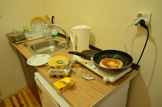 Nice Apart Hotel: I'm cooking breakfast at the apart/hotel.