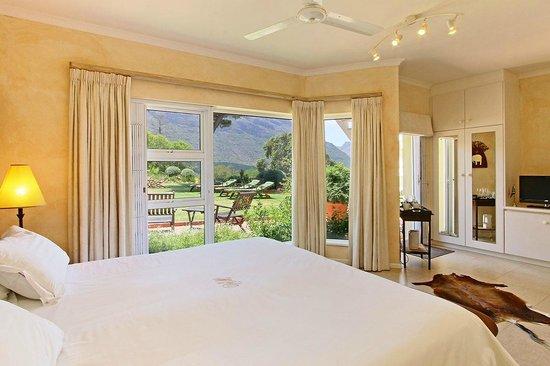 Villa Montebello: Garden Room with direct access to Garden & Swimming Pool
