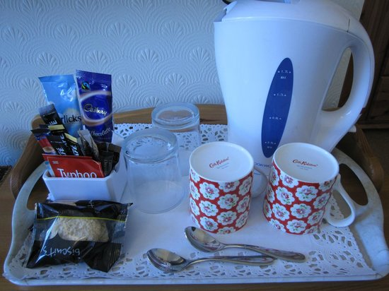 Dorchester Guest House: Hospitality Tray