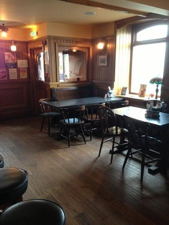 The Anchor Hotel, Johnshaven: The bar lounge at The Anchor Hotel