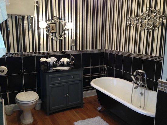 Beaconsfield Farm Self Catering: Room 2  bathroom