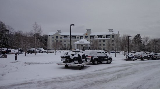 Comfort Inn & Suites Near Burke Mountain: Snowy Sunday Morning!
