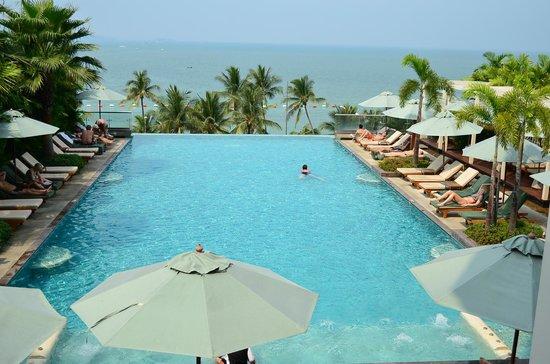 Modern guest bathroom - Main Pool Picture Of Holiday Inn Pattaya Pattaya