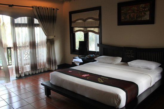 Lotus Village Resort: sea view room