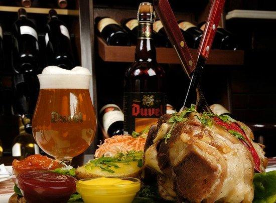 DIVER Beer Restaurant: Χοιρινό μπούτι - Pork leg