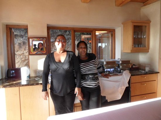 Monkey Valley Resort: Staff who worked to make our wedding fabulous