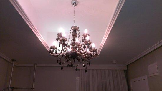 Hotel Pilar Plaza: lampara