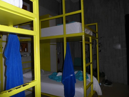Lub d Bangkok Silom: 10 person women's dorm