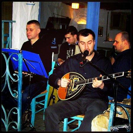 Santorini Tawerna Grecka : Olympos the  band plays every saturday