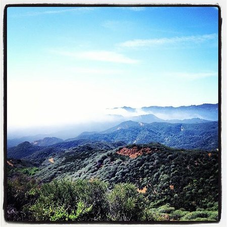 Topanga Canyon Inn Bed and Breakfast: hiking in the canyon, minutes from the Inn